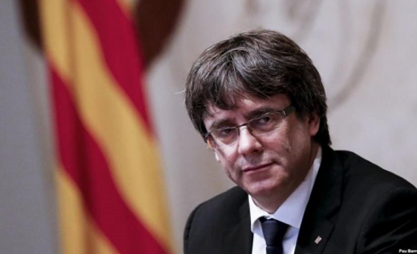 700 кметове запяха каталунския химн след реч на Пучдемон